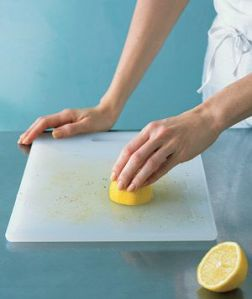 Cleaning chopping boards with Lemon